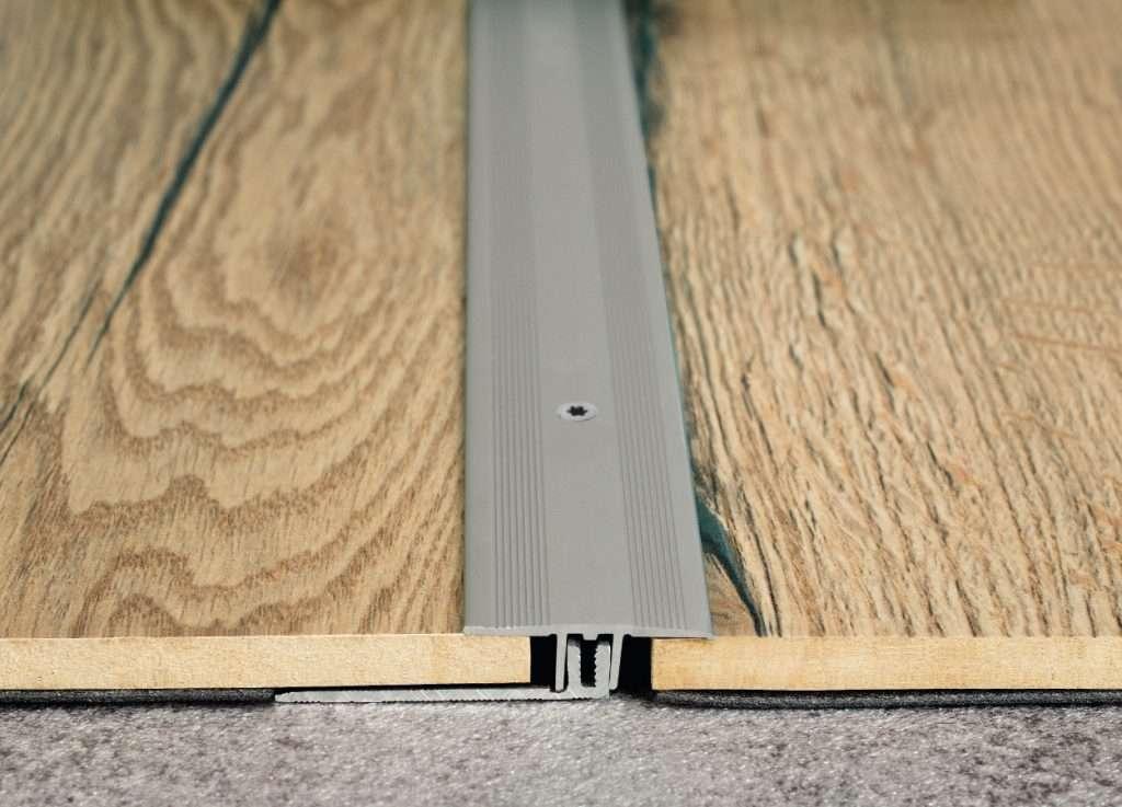 Prechodová hliníková lišta 34 mm Egger striebro 1483105